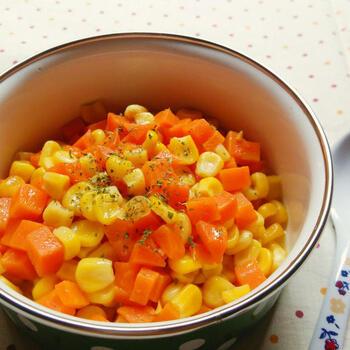 甘さ引き立つグラッセの味付けは子供も大好き。水と砂糖で煮て塩で味を整えるだけで完成です。小さなお子様もスプーンでパクパク食べれちゃいそう♪