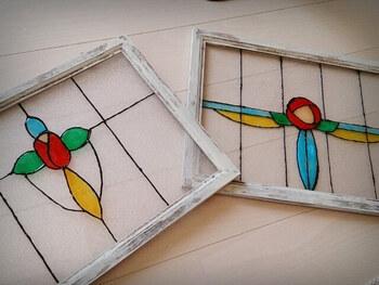ステンドグラス風アートとは専用の絵の具を使って、ガラスに直接ペイントして作るアートのこと。ガラス絵の具は乾かすと透明になるので、美しいステンドグラス風のアートを楽しむことができるんです。