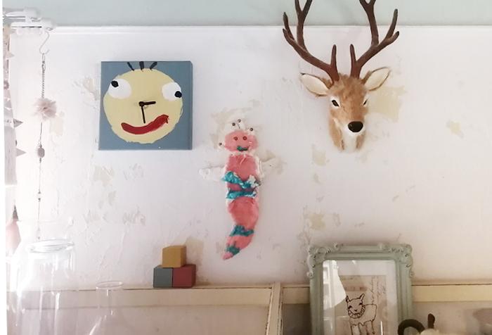 自由な発想で描いた作品がお部屋を明るく彩ってくれます。ポップなアートのように、オリジナル時計を飾ってみましょう。