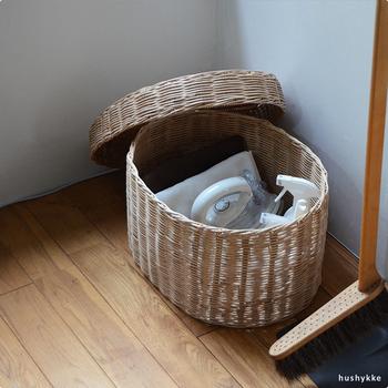ラフさが素敵。インテリアとして映える「床置き収納アイテム」と使い方