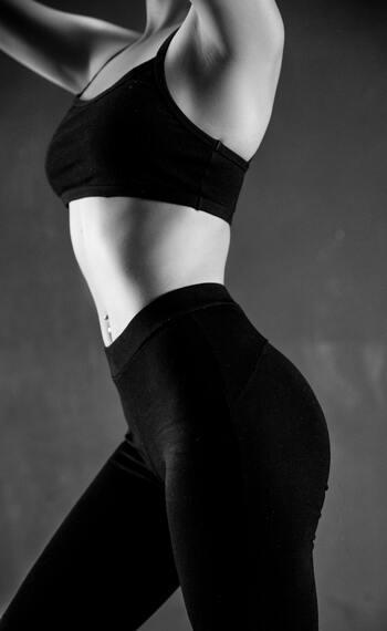 帰経とは食べた食材が体のどの臓器に作用するかを「肝・心・脾・肺・腎」で表したもの。季節とも関係が深く、春は「肝」の働きを助けてくれる食材を摂ることが推奨されています。アンチエイジングなら「腎」の働きを助ける食材を選ぶとよいでしょう。