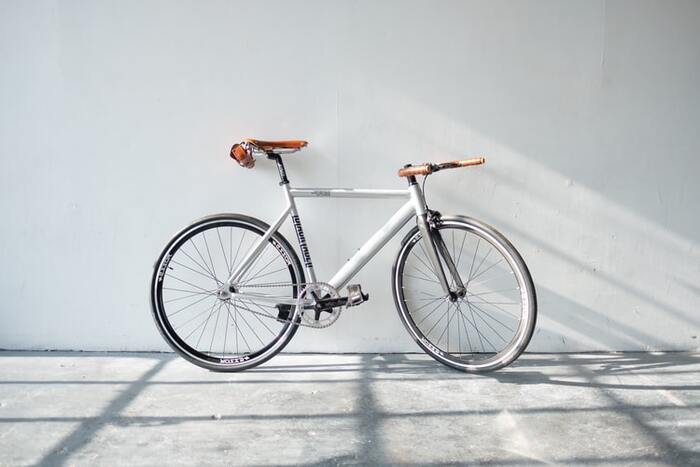 ちょっとスーパーに行くためだけのために、わざわざ車を出したりしていませんか?スーパーへの道のりは、日常生活の中でも貴重な運動時間。帰りの荷物が重くなりすぎないなら、徒歩か自転車で行きましょう♪