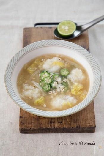 使い終わったはと麦茶のはと麦を、リゾット風のスープやミネストローネなどにれるのもよさそうですね。食感も楽しくて、スープのいいアクセントになります。
