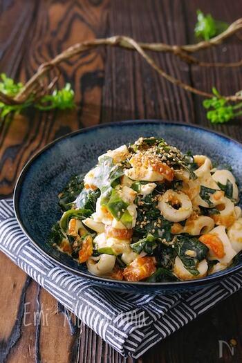 お助けアイテムのちくわを和風サラダにアレンジした「わかめとちくわとゆで卵のおかかマヨサラダ」は食べ応えもあり、ちょっとしたおつまみとしてもオススメです。