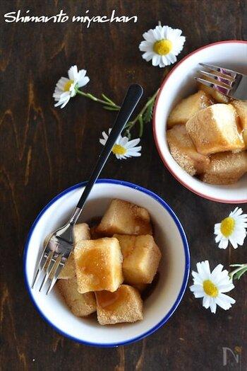 わらび粉の代わりに片栗粉と牛乳を使って作るわらび餅のようなデザートです。牛乳を飲むのが苦手な子もきな粉と黒蜜でほぼ牛乳の香りを感じないので、おいしく食べてくれるかもしれません。