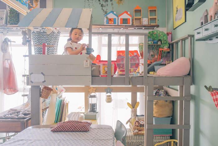 2段ベッドは、限られたスペースの子供部屋に大活躍!遊ぶスペースにしたり、机を置いたり、もちろんベッドとしても使えます。屋根を付けたり、かわいい雑貨でデコレーションすれば、子どもも大喜び!