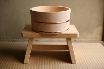 無駄をそぎ落としたシンプルなデザインが一層高級感を感じさせてくれますよね。湯桶はマイ桶として銭湯や温泉宿にて使っても楽しめます。