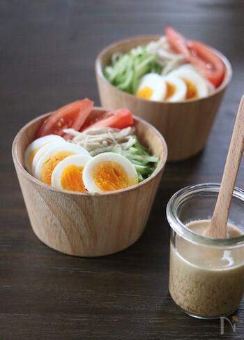 ポン酢とお味噌とマヨネーズをベースに、棒棒鶏風に仕上げたドレッシングです。ジャガイモなどの根菜類とも合いますよ。