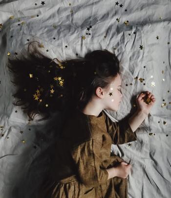 睡眠は心の健康のためにもとっても大切。十分な睡眠時間を確保することはもちろん、質の良い睡眠をとれるように意識してみてください。