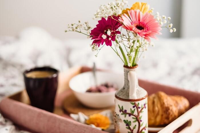 特に家にいる時間が長い人は、生活習慣が崩れてしまいがち。早寝早起きをして、きちんと毎日朝ごはんを食べる「当たり前」の習慣をもう一度見直しましょう。