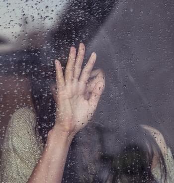 どうしてもストレスが溜まったときは、しっかり泣いて発散するのも大切。涙を流すこと自体にもストレス解消効果があるので、自分のことでうまく泣けない…というときは、泣ける映画を観て泣いてしまうのも一つの手かも。