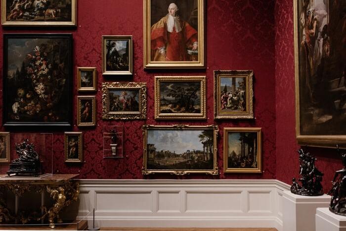 インターネットの発達により、今や私たちのおうちが美術館になる時代。遠い外国にある美しい絵画をインターネット越しに鑑賞して癒されちゃいましょう♪