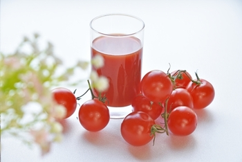 リコピンぎゅぎゅっ!「トマトジュース」を使った人気レシピ20選