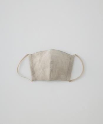 カラー:ナチュラル 布マスクには少し珍しいナチュラルカラーのマスク。 ファッションのアクセントにも◎。