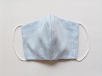 表面はリネン、裏面がダブルガーゼの肌に優しい素材。 初夏に嬉しいさりげない爽やかカラーはジーンズやシャツとの相性もバッチリ。 <カラー:サックス>