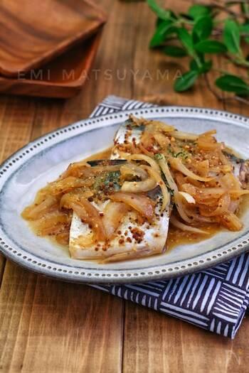 粒マスタードなどを使うことで、さばの煮物がおしゃれなデリ風に。いつもとはひと味違う、さばの料理が楽しめます。ワインにも合いますよ。