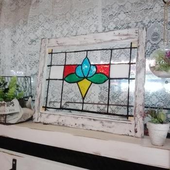 100均の「ガラス絵の具」で簡単に作れる*ステンドグラス風アート作品