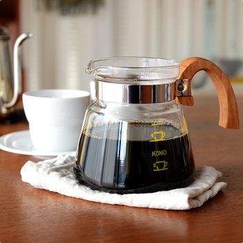 KONO式のドリッパーは、ネルドリップ式コーヒーのような、やさしくまろやかなコクのあるコーヒーを淹れられると、多くのコーヒーファンから愛されています。 その味わいは、マフィンやサンドイッチなどの朝食や軽食にもよく合います。