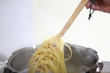 他にも茹でた野菜の水切りも、おひたしなどを作る際、美味しくつくれて◎。また、麺類の水切りとしても活躍してくれます。