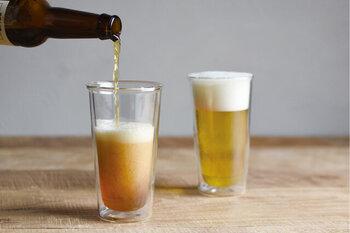 まるで飲み物が中に浮いているようなユニークなダブルウォールグラス。断熱効果のある二重構造は、表面に水滴がつきにくく、おいしい状態をキープしてくれます。おしゃれなカフェバーの気分が味わえそうです♪