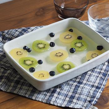 浅型のLサイズは鍋料理の食材のストックや4~5人前のグラタンに向いています。パーティーメニューの主役に使えるサイズです。