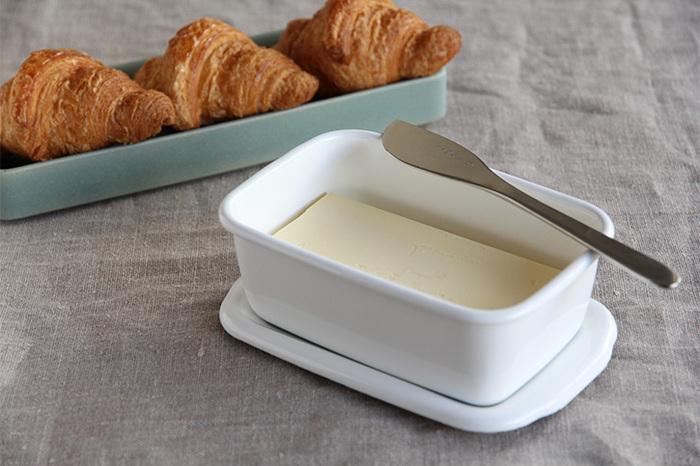 深型のSサイズはバターケースとして使えるサイズ感。ちょっとしたおかずの残りなどを入れておくのにも重宝しそう。お豆腐一丁の保存にもぴったりです。