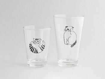 サイズは260mlのSと、350mlのMの2サイズあるので、使いやすいサイズを選ぶことができます。また厚みがあり安定感があるガラスなので、子どもにも使いやすいグラスです。お気に入りの猫たちと一緒にカフェタイムを過ごしてみませんか?