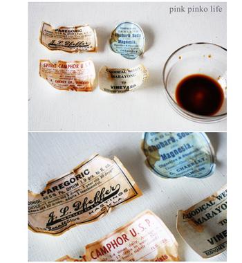 ラベルシールは少し傷をつけコーヒー液やスタンプで汚しを入れてあげると、アンティークなニュアンスが生まれてインテリアのおしゃれなアクセントに。