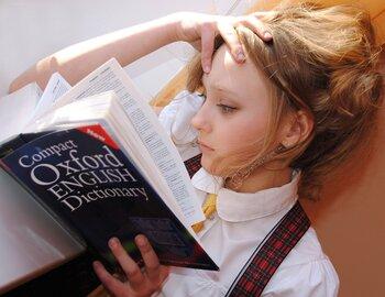 例えば、なかなか続かない英語の勉強。1日20分、英単語を覚えることを日課にしてみて。毎日積み重ねることで、いつしか映画の字幕をあまり見なくても、内容がすっと入ってくるようになっているかもしれません。