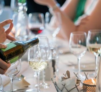 『ワインの手引き~ロゼワイン編~』ときめく色で幸せな時間を味わおう