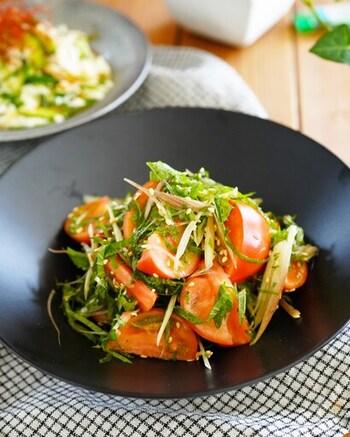 大葉やミョウガなど、夏が旬の香味野菜は使うことで食材の持つ甘味を引き出してくれるので塩分を抑えることができます。シンプルで美味しいレシピです。
