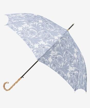 上品な花柄の晴雨兼用長傘。正装したお出かけにも、普段使いにもピッタリの1本。ワンタッチで開く仕様なのも嬉しいポイントですね。