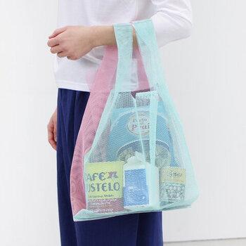 ツートンのカラーリングが印象的な、メッシュ素材のエコバッグです。毎日持ち歩くものだからこそ、デザインやおしゃれさにもこだわりたいという方にもぴったりなアイテム。