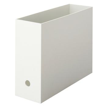こちらのファイルボックスは中身が見えにくく、並べたときにピッタリ揃うのが気持ちいい!と、無印良品ファンから人気の高いアイテムのひとつ。高さが12㎝の1/2サイズは、3つまで重ねて収納できます。