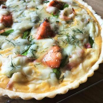 イタリア風の塩味タルトは、リコッタチーズなどを使った軽めの味なのだとか。鮭のキッシュも、さっぱりとした美味しさに仕上がります。とてもおしゃれでごちそう感がありますね。