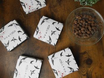 CocoChouChouの「ヴィーガン大豆ショコラ」は、乳製品や砂糖を使わずに作った大豆をヴィーガンな生チョコで包んだチョコ菓子です*
