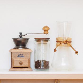 コーヒーミルといえばやはり「Kalita(カリタ)」は、外せないでしょう。老舗コーヒー機器メーカーで知られるカリタは、他のミルにも一部製品として使われるなど有名なブランドです*