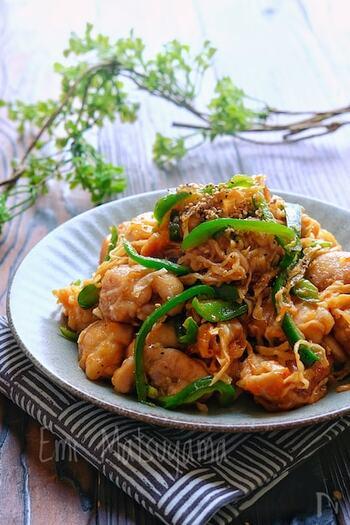 栄養たっぷりの切り干し大根を、鶏もも肉と炒めてこってり味付け。お子さんも喜ぶご飯がすすむ味です。