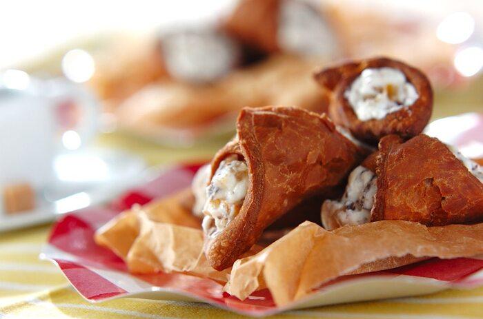 カンノーロは、コルネのような生地の中に洋酒のきいたリコッタチーズクリームが入った、シチリア島発祥の伝統菓子。サクッとした食感と香ばしさ、そしてクリームのまろやかさがたまりません。