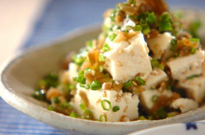 料理が苦手な人でも簡単!水気をきった豆腐とザーサイを混ぜるだけ!火を使わずにあっという間に完成します。ピリ辛がビールによく合う、リピート率の高い一品です。