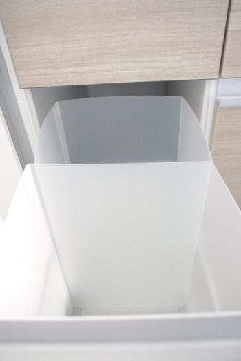 引き出しのサイズに合わせて作れば、ゴミ箱を収納することが可能に。お部屋の目立つところにゴミ箱を置く必要がなくなってすっきりしますね。