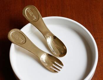 岡山県瀬戸内市を拠点に真鍮素材のアイテムを作りだしている菊地流架さんによる「Lue」のデザートスプーン。ハーゲンダッツのスプーンを思わせる、普遍的なデザインが使いやすそうですね。