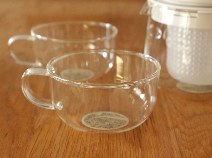 せっかくなら、注ぐカップもガラス製にしてみては。ティーカップ紅茶やハーブティーを楽しむのにぴったりの耐熱ガラスカップ。ソーサーもあるので、セットで揃えてみてはいかがでしょうか。