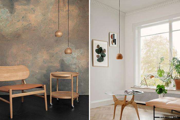 デンマークのクラフトマンシップを感じる、木製のシェード、コロンと丸いフォルムが可愛らしいルネ。小さな照明ですが、モダンなインテリアにも溶け込む洗練された美が宿ります。複数取り入れるときには、左の写真のように高さを変えると、よりスタイリッシュな印象に。