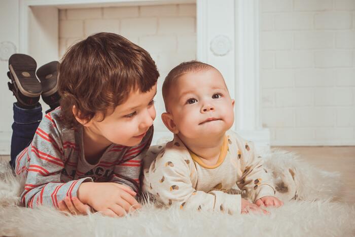 制限を設けることによって、子どもの想像力が働きますし、記憶をたぐり寄せる力もつきます。もしも子どもが本当に困っているようだったら、手助けをしてあげても全く問題はありません。考える力もそうですが、ヒントをもらってひらめきを出せる力もつけてあげましょう。