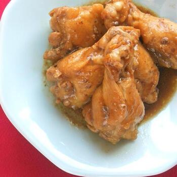 いつもの手羽煮も麻辣醤を入れることで、一気に四川風に仕上がります。暑くなってきたこの季節にはしびれを効かせた手羽煮がぴったり。