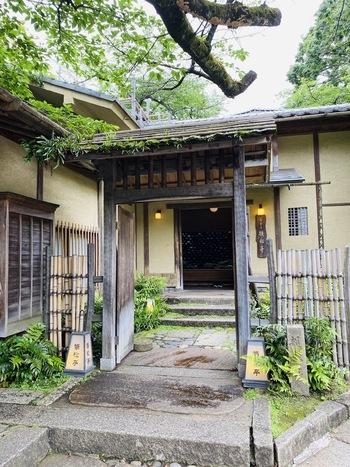 上野公園の中にある「韻松亭」は、明治8年創業の老舗料亭で、文豪・森鴎外が通ったことでも知られていますね。上質なひと時を過ごしたい時に訪れたい場所です。