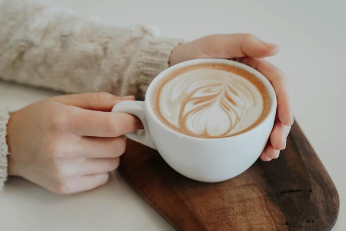 """日々のコーヒーライフをより満喫♪""""カフェインレス""""や""""デカフェ""""について知ろう"""