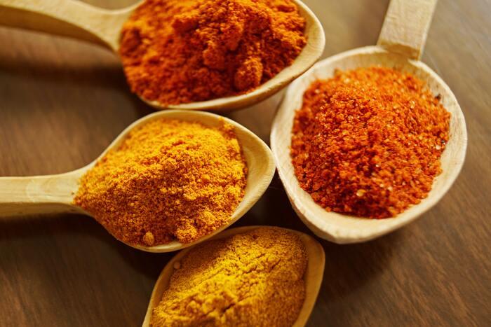 冷蔵庫に余ってない?本格カレーや様々な料理に使える「カレー粉」活用レシピ