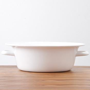 ちょっとした洗い物に便利なのが桶です。洗面器などでもいいでしょう。マスク専用に用意するのがベター。